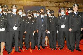 La Policía Nacional rinde honores a su patrón y condecora al tenista Rafa Nadal