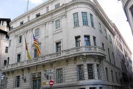Un funcionario de la Delegación del Gobierno admite un fraude en permisos de residencia