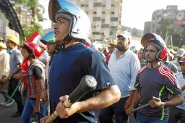 Al menos siete muertos en choques entre partidarios y opositores a Mursi