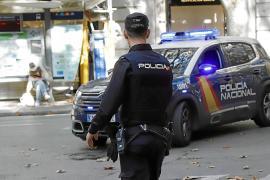 Un detenido en Palma por golpear a su exmujer al encontrarla en casa con cuatro hombres