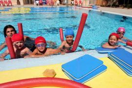Escuela de verano con los más peques en el polideportivo de San Fernando