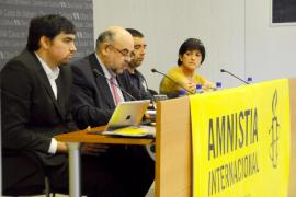 Amnistia Internacional denuncia que Balears viola los derechos de los 'sin papeles'