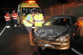 Un conductor ebrio pierde el control y provoca un accidente en la carretera del Cap Blanc