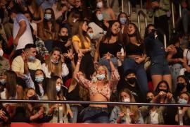 Palma se rinde al carisma y los ritmos urbanos de Rauw Alejandro