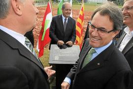 Mas invita a Rubalcaba al Palau para que le explique su propuesta constitucional