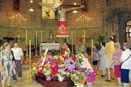 El obispo Salinas preside la misa solemne por la festividad del Crist de la Sang