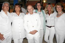 Fofo Robledo celebra un cena blanca en Calanova