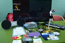 Dos detenidos en Palma pertenecientes a una banda que realizaba estafas con tarjetas por internet