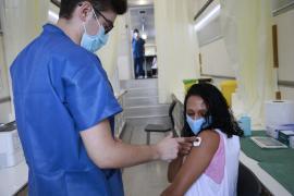 Expertos sanitarios proponen suministrar una dosis de refuerzo a los vacunados con Janssen