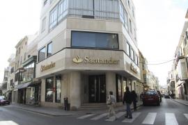 Un total de 125 banqueros españoles gana más de un millón al año