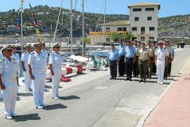 Manuel Caridad releva a Francisco Arenas al frente de la estación naval