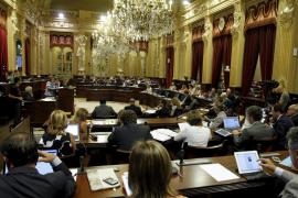 MÉS abandona el pleno del Parlament en protesta por el «rodillo»
