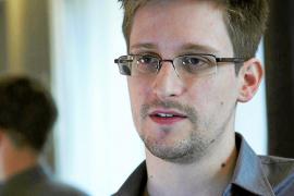 Snowden solicita finalmente asilo político temporal en Rusia
