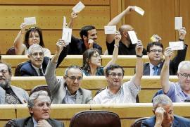 Dos acusaciones populares del 'caso Bárcenas' piden que Rajoy declare