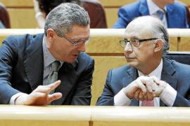 Diputados del PP quieren que Rajoy dé un paso adelante y comparezca