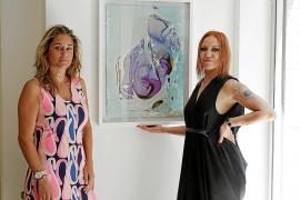 Icon Zar fusiona la pintura cerámica con agua para crear 'Pop Babylon'