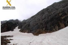 Un montañero de Maó muere al sufrir una caída de 30 metros en Benasque