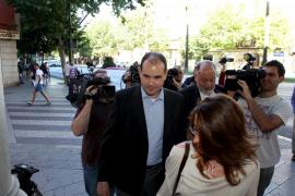 Mario Sorribas pide que la causa se centre en Urdangarin y  Diego Torres