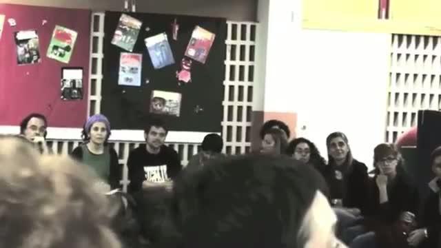La Asamblea de Docentes se prepara para la posible huelga con un nuevo vídeo