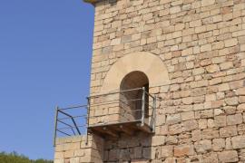 Piden a Patrimoni que se retire el cemento de la Torre de Portopetro