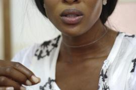 Naomi Campbell pide perdón entre lágrimas por su comportamiento