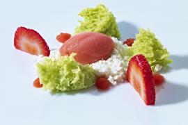Aceite, fresas y tomates