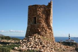 Piden a Rotger que frene el derrumbe de la Torre de Cala Figuera de Calvià