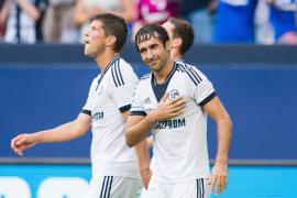 'Gracias Raúl': miles de aficionados del Schalke homenajean al futbolista español