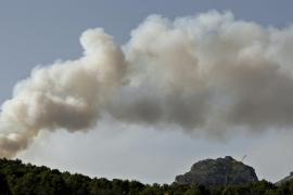Emergencias espera estabilizar el frente de Galatzó a lo largo de este lunes