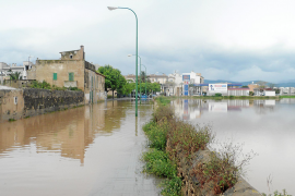 Aluvión de denuncias en la barriada de es Molinar tras desbordarse el Torrent Gros
