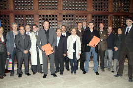 Los Bombers de Palma se visten de gala para presentar el libro de su historia