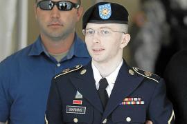 Manning, absuelto de «ayuda al enemigo» pero acusado de espionaje