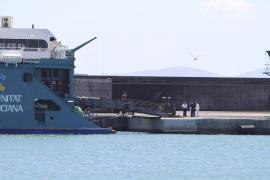 palma barco de balearía accidentado en alcudía foto miquel a.
