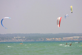 En estado crítico un hombre de 50 años que tuvo un accidente de kitesurf