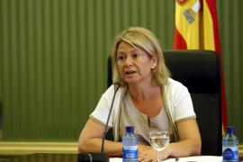 Núria Riera destaca la «coordinación impecable» en los trabajos de extinción del incendio de Andratx