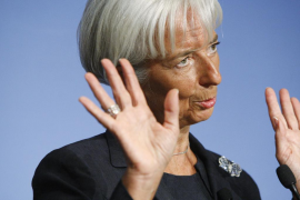 El FMI plantea a España bajar los sueldos  un 10%