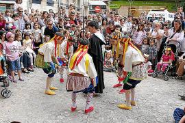 Manacor dignifica sus danzas populares