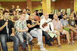 Josep Vicent se une a la protesta de la Simfònica ahora como director titular