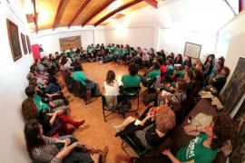 La Plataforma Crida pide a los directivos de centros que dimitan en bloque en protesta por las actuaciones del Govern