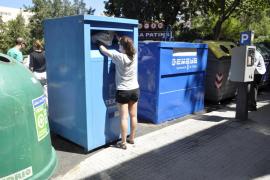 Cort ingresará 164.000 euros anuales por la gestión de contenedores de ropa usada