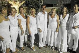 Fiesta de blanco en la Casa de Andalucía.
