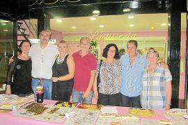 Inauguración de una pastelería en Santa Maria