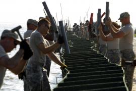 17.500 soldados contra la marea negra