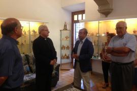 El conseller Gómez y el obispo Salinas 'recorren' el «Corazón de Mallorca» en Lluc