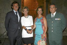 Cena anual de la Familia Real a las autoridades.