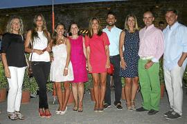 Charo González, Raquel Sanjuán, Teresa Ortíz, Carmen Pérez, Carmen Ortíz, Fernando Pita, Marta Díez, Roberto Ortiz Pérez y Mateo