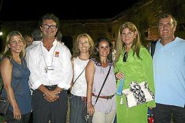 María Blecua, Jaume Carbonell, Lavinia Blanes, Susana Gracia, María Gatón y Joselo Barzola.