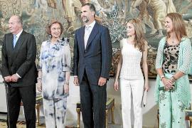 Cena ofrecida por la Familia Real a las autoridades de Balears en el Palau de l'Almudaina