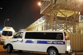 Israel libera a los 26 primeros presos palestinos antes de las conversaciones