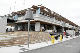 Fallece en el hospital el hombre que cayó desde un primer piso en Port Adriano
